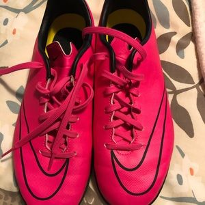Youth size 5 Nike indoor soccer shoes